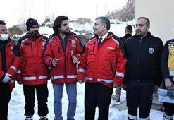 Sağlık Bakanı Koca, Vanda depremden etkilenen mahalleyi ziyaret etti