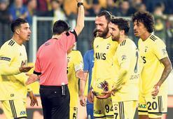 Fenerbahçede sahada herkes mutsuz