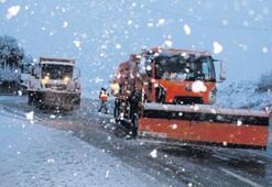 İzmir-Ankara yolunda kar