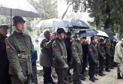 Şehit cenazesinde duygulandıran fotoğraf