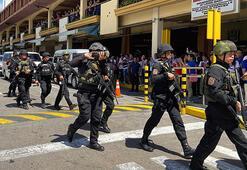 Son dakika: AVMde silahlı saldırı 30 Kişi rehin tutuluyor
