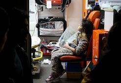 Düzensiz göçmenleri taşıyan minibüs devrildi: 21 yaralı
