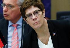 Almanya Rusyaya karşı harekete geçiyor Savunma bakanı açıkladı...