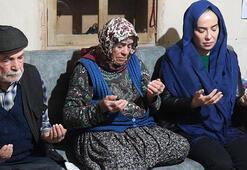 Uşak Valisi Funda Kocabıyık, İdlibde şehit olan askerin ailesini ziyaret etti