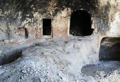 Diyarbakırda teröristlerin işkence için kullandıkları mağara imha edildi