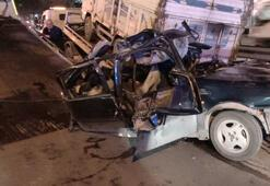 Avcılarda otomobil kamyona arkadan çarptı: 1i ağır 3 yaralı