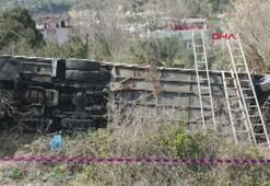 Kadınlar Günü gezisi dönüşü otobüs devrildi: 35 yaralı