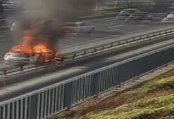 Bayrampaşa D-100de otomobil alev alev yandı