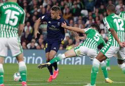 Real Madrid, Barcelonaya zirveyi kaptırdı