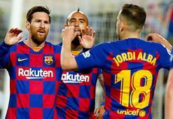 Barcelona Real Sociedadı Messi ile geçti