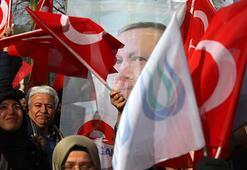 Cumhurbaşkanı Erdoğana Brükselde sevgi gösterisi
