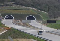 Kuzey Marmara Otoyolunun Kocaeli kesiminde çalışmalar sürüyor