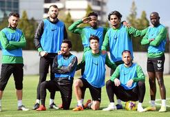 Denizlisporda Tiago Lopes takımla birlikte çalışmalara başladı.