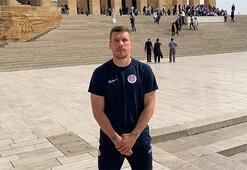 Lukas Podolskiden Anıtkabir ziyareti