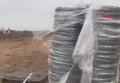 Yunanistan sınırına kamyonlarla tel örgü taşınıyor