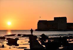 Akdenizin incisi Kızkalesinde gün doğumu