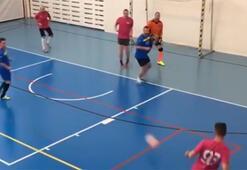Öyle bir gol kaçırdı ki Futsal maçında...