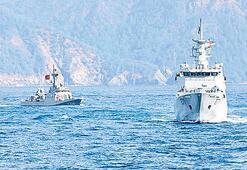 Türk donanması Doğu Akdeniz'de devriyede