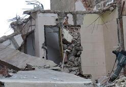 Üsküdarda bina yıkımında çökme Bir işçi yaralandı