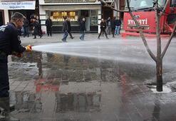 Tanker tanker taşıyıp sokakları yıkıyorlar