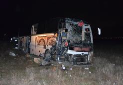 Son dakika haberi... Yolcu otobüsü TIRa çarptı Çok sayıda yaralı var