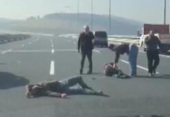 Kaza sonrası tekme ve yumrukların havada uçuştuğu kavga kamerada
