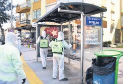 Narlıdere'de sokaklar aralıksız ilaçlanıyor