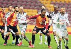 Galatasaraydan futbolcular ayrı odalarda soyundular
