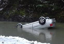 Irmağa yuvarlanan otomobilin sürücüsü öldü