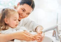 El yıkamak çocuklar için nasıl eğlenceli hale gelir