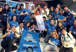 Irmak Okulları öğrencilerine robot alanında iki ödül