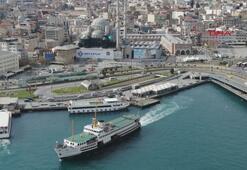 İstanbulda meydanlar boş kaldı