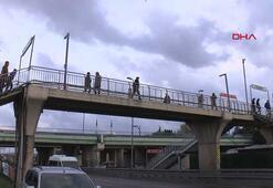 İstanbulda yollar boşaldı, toplu taşımayı kullananlar azaldı