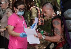 Panamadaki festivale katılan turistler corona virüsü nedeniyle ülkeden çıkamıyor
