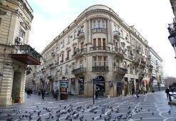 Azerbaycanda corona virüs nedeniyle sokaklar boşaldı