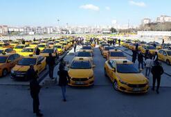 Corona virüs nedeniyle işlerinin azaldığını belirten taksicilerden eylem