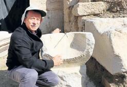 Laodikya'da 2 bin yıllık güneş saati