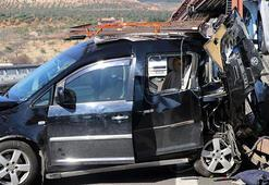 TIRın çarptığı sürücü öldü Kız kardeşi yaralandı