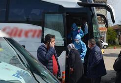 Otobüste corona alarmı Rahatsızlanan yaşlı kadın hastaneye kaldırıldı