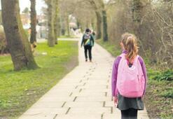 MEB'den ailelere çocuklarının psikolojisi için rehber: 'Model olun rahatlatın'