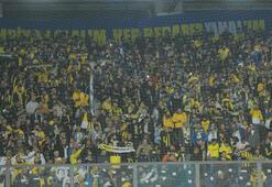 Fenerbahçe, Galatasarayı tribünde solladı