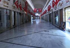 Bursada Kapalı Çarşı esnafı bir hafta dükkanlarını kapattı
