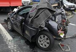 Silivride feci kaza Otomobil TIRa çarptı