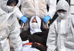 Solunum sıkıntısı olan yaşlı çift, corona virüs şüphesiyle hastanede gözlem altında