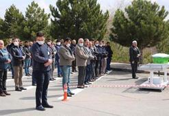 Sivasta cenaze namazları mezarlıkta kılınıyor
