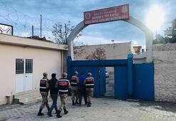 Ailelerinin evlerinde saklanan PKKlı 2 terörist yakalandı