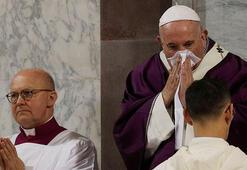 Papa ile aynı konutta kalan rahipte corona virüsü tespit edildi