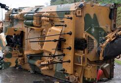 Askeri araç devrildi Yaralılar var...