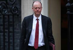 İngiltere Sağlık Direktöründe corona virüs belirtileri Kendini tecrit etti