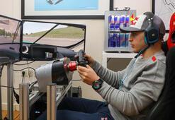 Ayhancan Güven, Formula 1 pilotlarıyla yarıştı